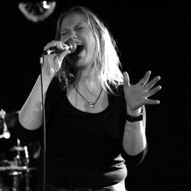 Marion Wendt, vocals